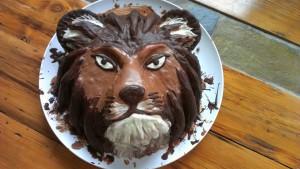Lion head cake