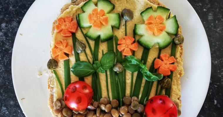 Hummus garden toast