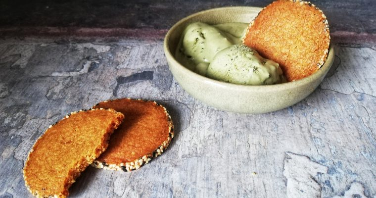 Matcha gelato with sesame biscuits