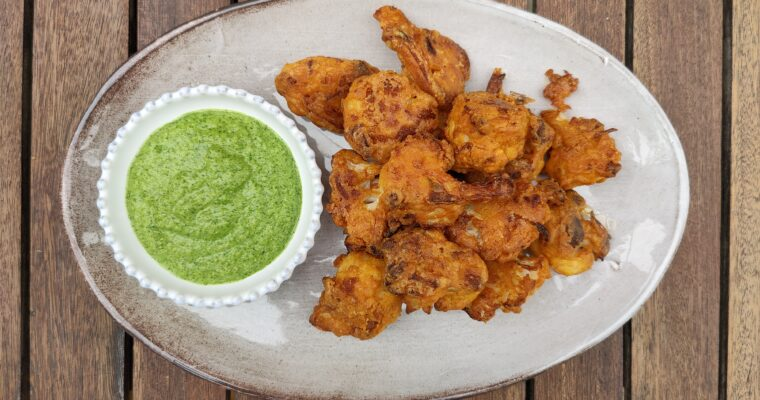 Oven-baked crispy cauliflower bhajis