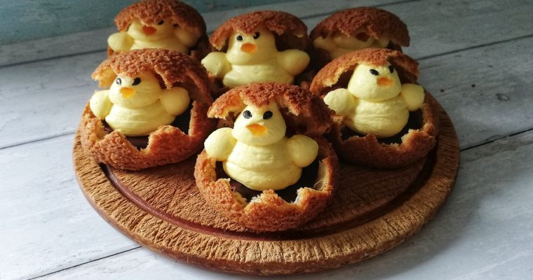 Easter chick choux buns
